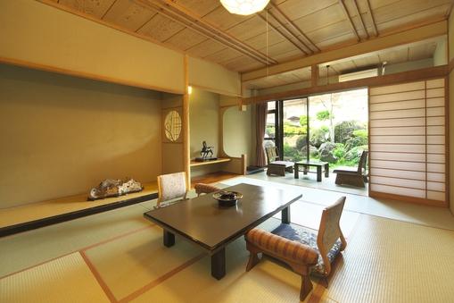 庭園側 和室 10畳(喫煙ルーム)