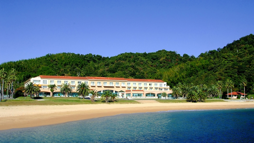 ◆海から見えるホテル全景