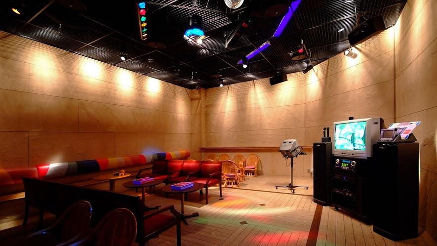◆【バー&カラオケ ピラミデ】カラオケ(4室)・・・営業時間19:00~23:00