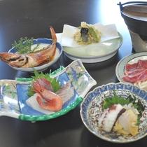 【夕食一例】丹後ならではの新鮮な海の幸にこだわったお料理