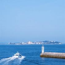 師崎港から見た日間賀島