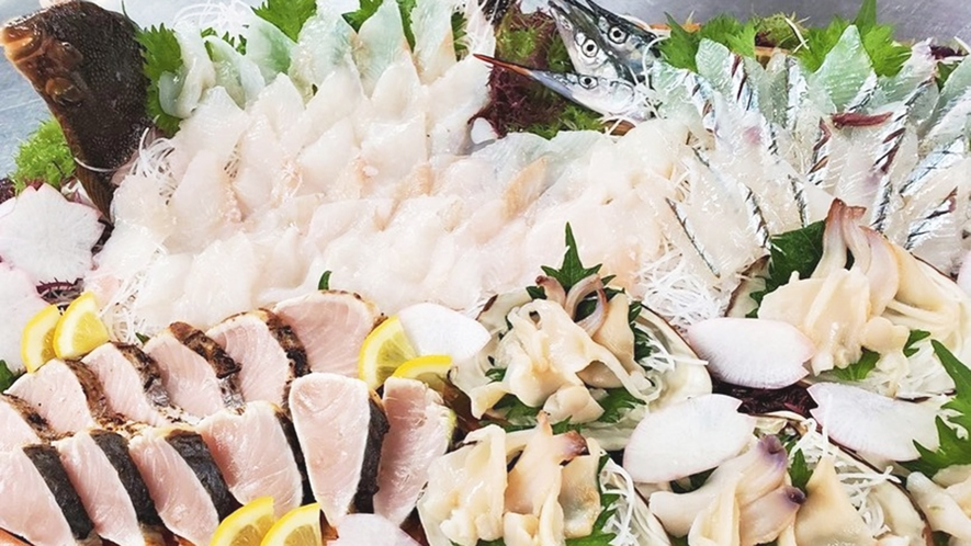 *春の海鮮盛り合わせ(星カレイ、サワラ、サヨリ、本ミル貝)