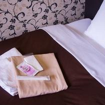 女性専用フロアーはガウン型パジャマを採用!フェイスタオルも2本ご用意しております。