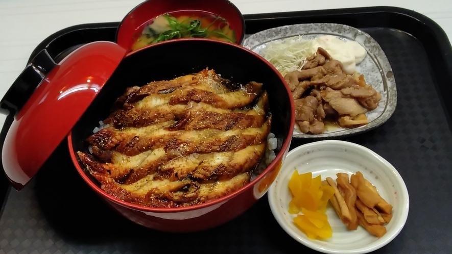 ★夕食一例☆うな丼定食★