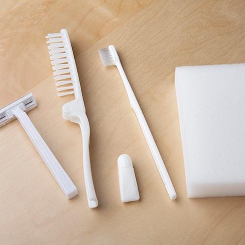 ★歯ブラシ(客室)★ボディスポンジ、髭剃り、くし(フロント、大浴場)★