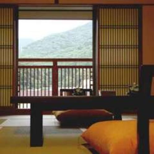 新客室から望む箱根の山々