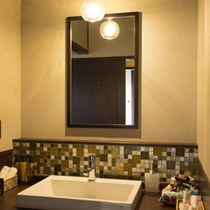 露天風呂付和モダン客室 洗面台