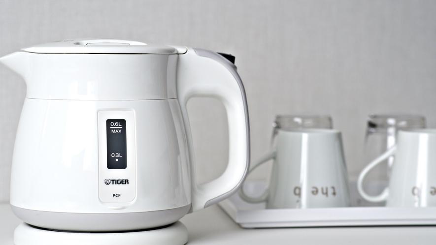 <アメニティ>客室では、ハーブティーや緑茶でリラックス。ロビーのエスプレッソもご自由にどうぞ