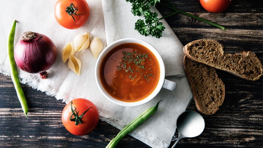<朝食>朝食では温かいスープもご用意。優しい味覚は朝にぴったりのメニューです