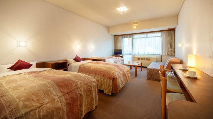 ■東館 洋室■夏は深緑、冬には雪景色。四季の景色をたのしむゲレンデビューのお部屋です♪