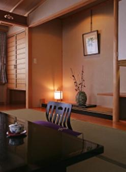 3階角部屋 衣笠草【15畳・禁煙】(バス&洗浄器付トイレ付)