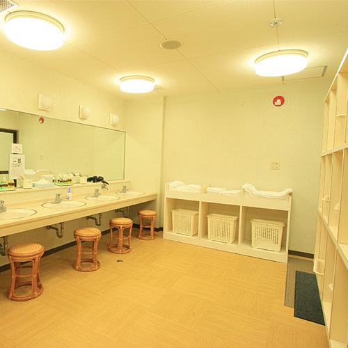 ◇ゴルフクラブハウス「男性浴場脱衣室」
