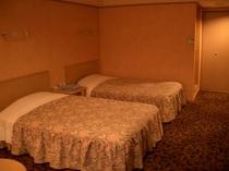 ツインB ベッド2