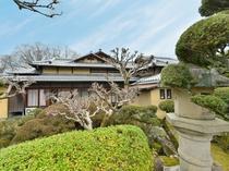 奈良公園内に佇む「KKR奈良みかさ荘」