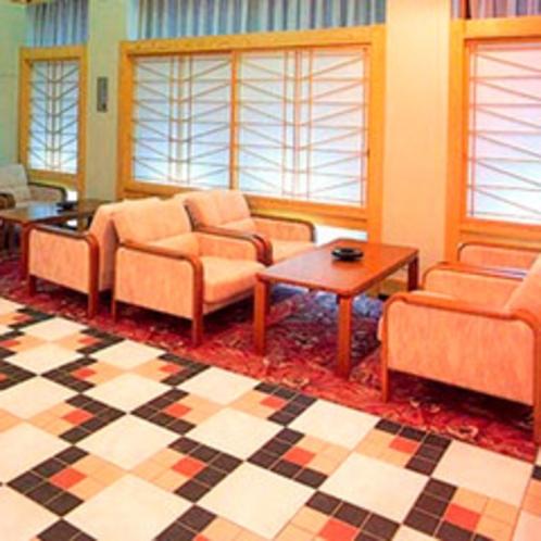 *ロビー/元々旅館として開業していたホテル。館内には心がほっと落ち着く和の風情を残しております。