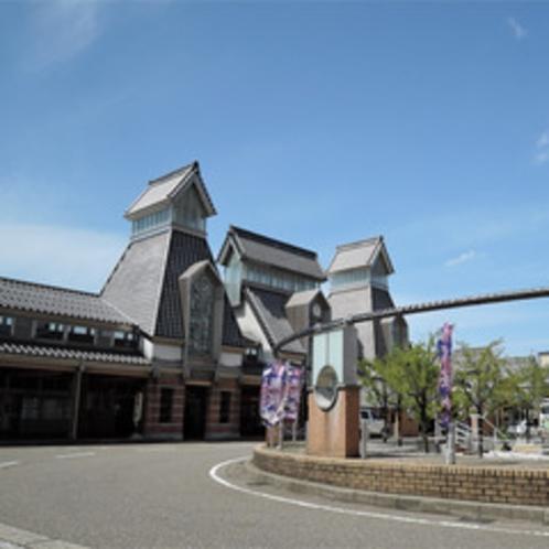 *えちごトキめき鉄道・妙高はねうまライン高田駅より徒歩1分とアクセス便利♪