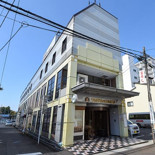 *高田駅から徒歩1分!夜の繁華街・仲町入り口の好立地!便利&料理が美味しいホテルに快適滞在