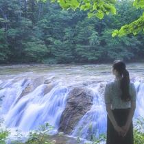 【初夏】マイナスイオンたっぷりの大滝プチナイヤガラの滝
