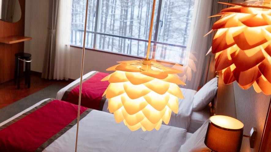 【カップルツイン】ライトアップしたお部屋から見る雪景色は素敵な雰囲気です。