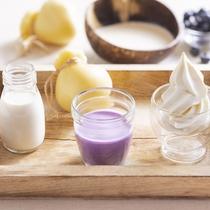 【名物料理】地元伊達産牛乳のソフトクリーム・パティシエが作る飲むチーズ・ブルーベリーのスムージー