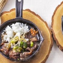 「AAOマイスター」認定を受けた総料理長が作るエゾシカ料理。