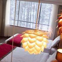 カップルツインルーム ライトアップしたお部屋から見る雪景色は素敵な雰囲気です。