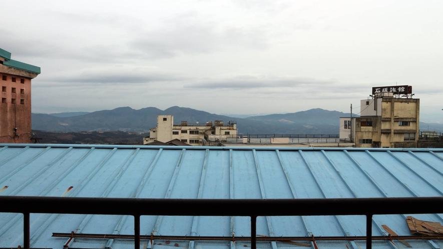 *[4階客室眺望一例]晴れていれば遠くに山々を望めます