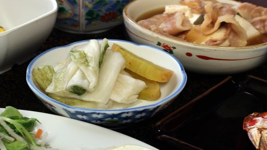 *[朝食一例]女将が丹精込めて作った自家栽培の食材盛りだくさん!