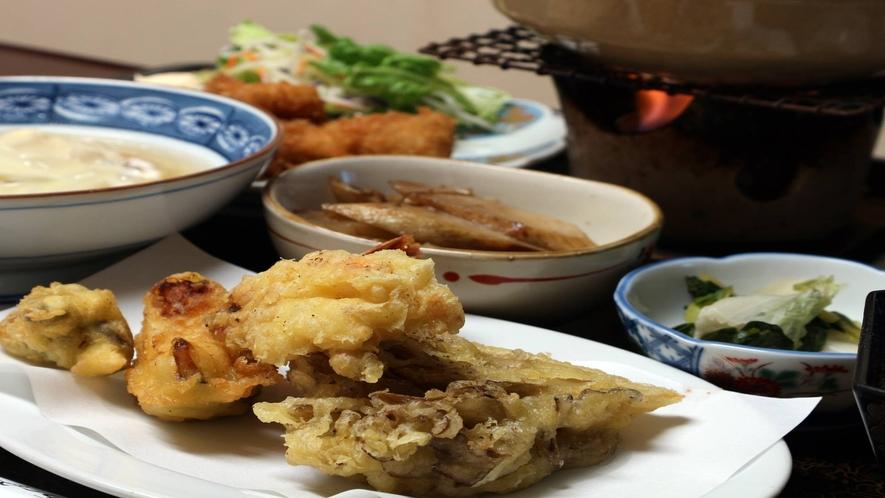 *[夕食一例]女将が丹精込めて作った自家栽培の食材盛りだくさん!