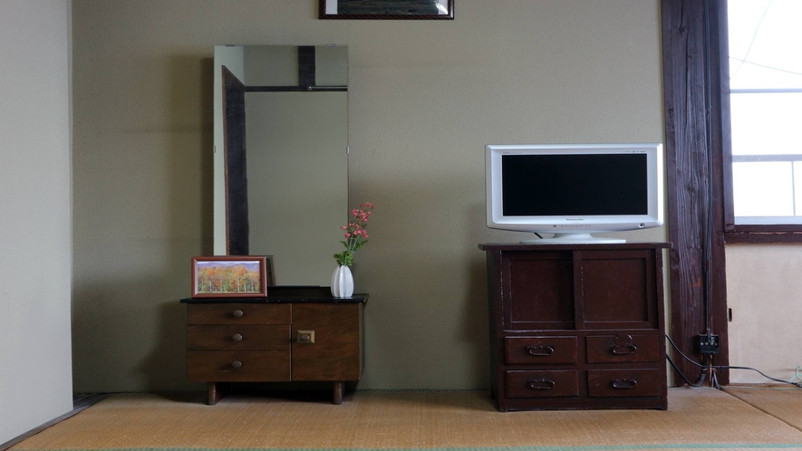 *[客室一例]昭和の雰囲気漂うシンプルな客室