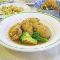 *【夕食一例】家庭的な料理をご用意いたします。