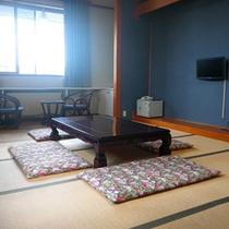 *【シュナイダー館/和室10畳】畳のお部屋で、足を伸ばして、お寛ぎ頂けます。