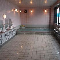 *【風呂/女性大浴場】ゆっくり足を伸ばして、疲れを取ってください。