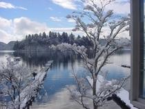 冬お部屋からの野尻湖