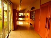 【館内】お隣の日帰り温泉施設「このか」さんへ通じる回廊