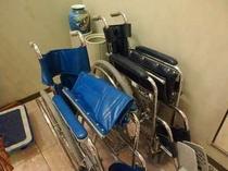 【サービス】足のお悪いお客さまには、車いすをお貸出し致します