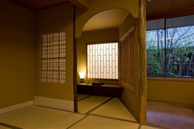 和の遊び心も映える、数寄屋造りの和室。