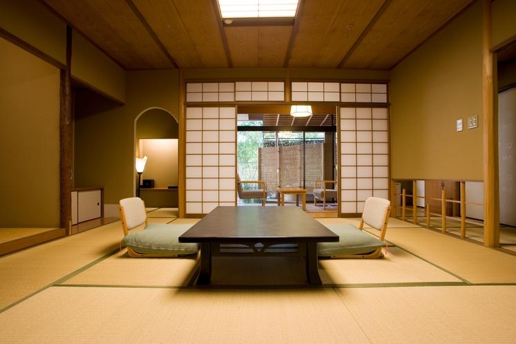 日本庭園と露天風呂はひとり占めできる、離れ座敷のような特別室