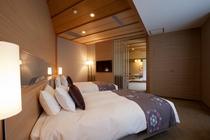 99㎡広々とくつろげる洋室と、数寄屋造りの和室12畳の数寄屋和洋室デラックス