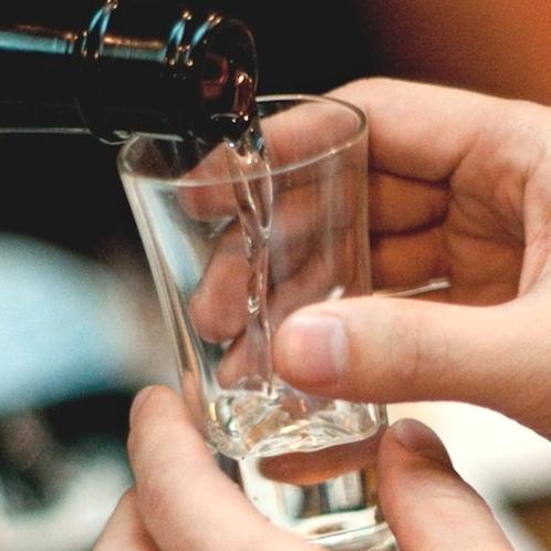 【2名以上限定】●地元銘酒+おつまみ付き和食会席1泊2食♪●お酒好きにはたまらない!