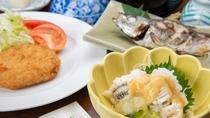 *【夕食一例】淡白でありながら旨味がある鱧の湯引きを、酢味噌とあわせてお召し上がりください