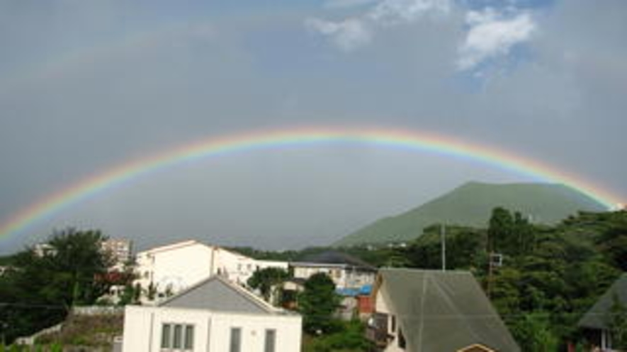大室山に虹4(ワイド)