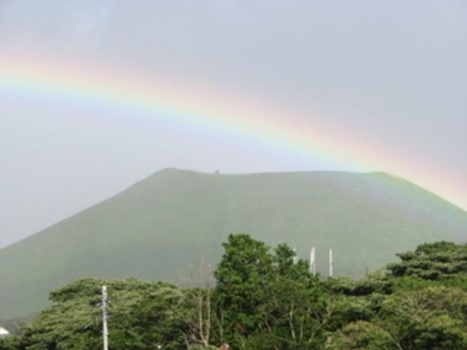 大室山に虹