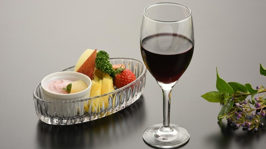 *女子会プランには5名様ごとにワインのをサービス
