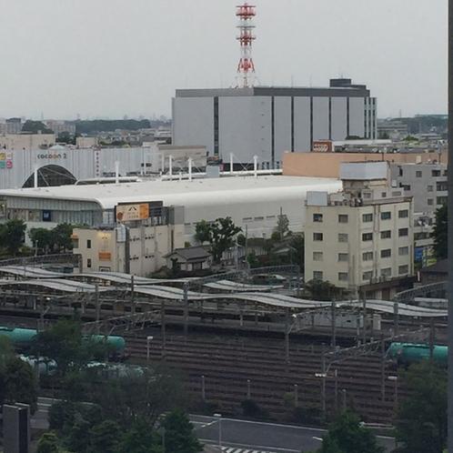 和室よりさいたま新都心駅をのぞむ