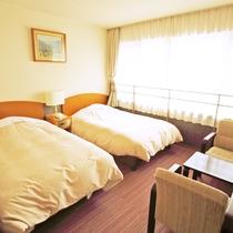 *【北側ツインルーム】山側の眺望。通常ツインよりも少し狭いお部屋となります。ユニットバス付