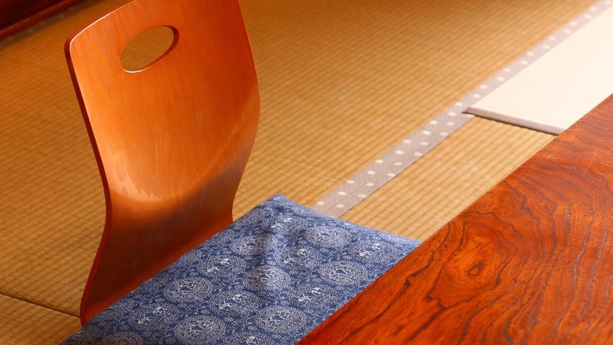 穏やかな時間が流れる落ち着いた和室です。