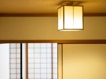【和室】穏やかな雰囲気の和室。少し贅沢な空間で、ゆっくりと流れる時間に身をゆだねて。