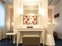 【スイートルーム】優美な色調に包まれるブライズルーム。そこは花嫁の夢を叶える特別な部屋。