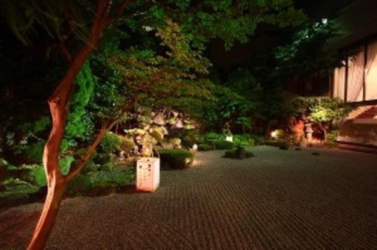 庭園(夜)